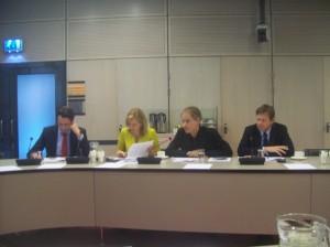 101_2673 - Kamerleden van PvdA, VVD, SP en ChristenUnie stellen hun vragen